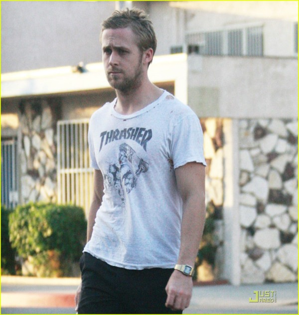 ryan-gosling-hole-in-shirt-02