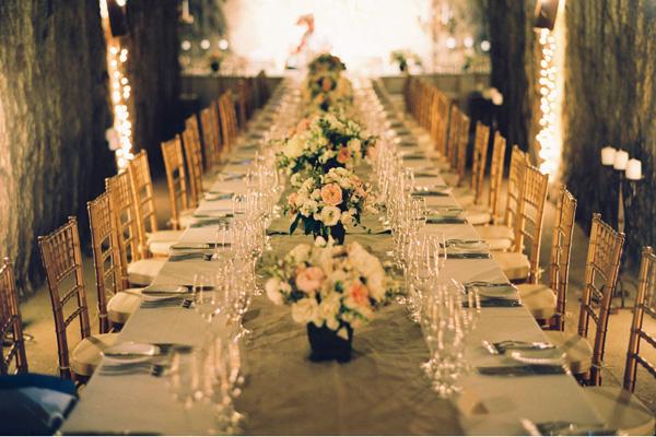 cave-wedding-dinner